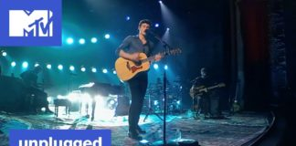 """Shawn Mendes 360° Performance of """"There's Nothing Holdin' Me Back"""" 